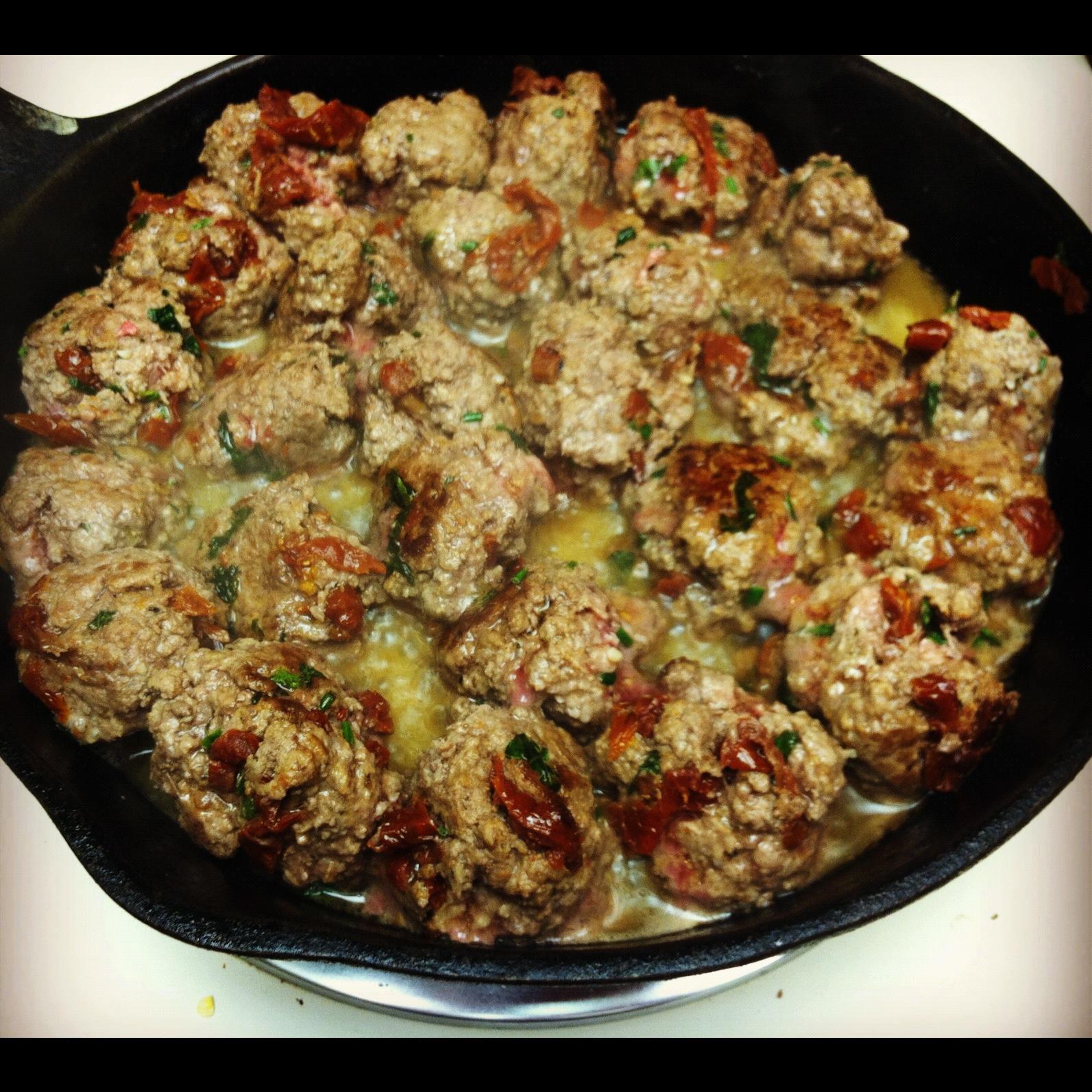 Sun-Dried Tomato & Pesto Meatballs w/ Zucchini Noodles